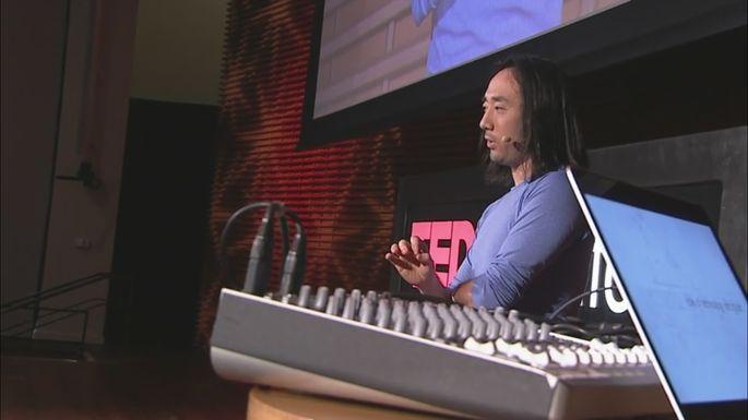 Человек-оркестр цифровой эпохи собирает хор из тысячи человек со всего света