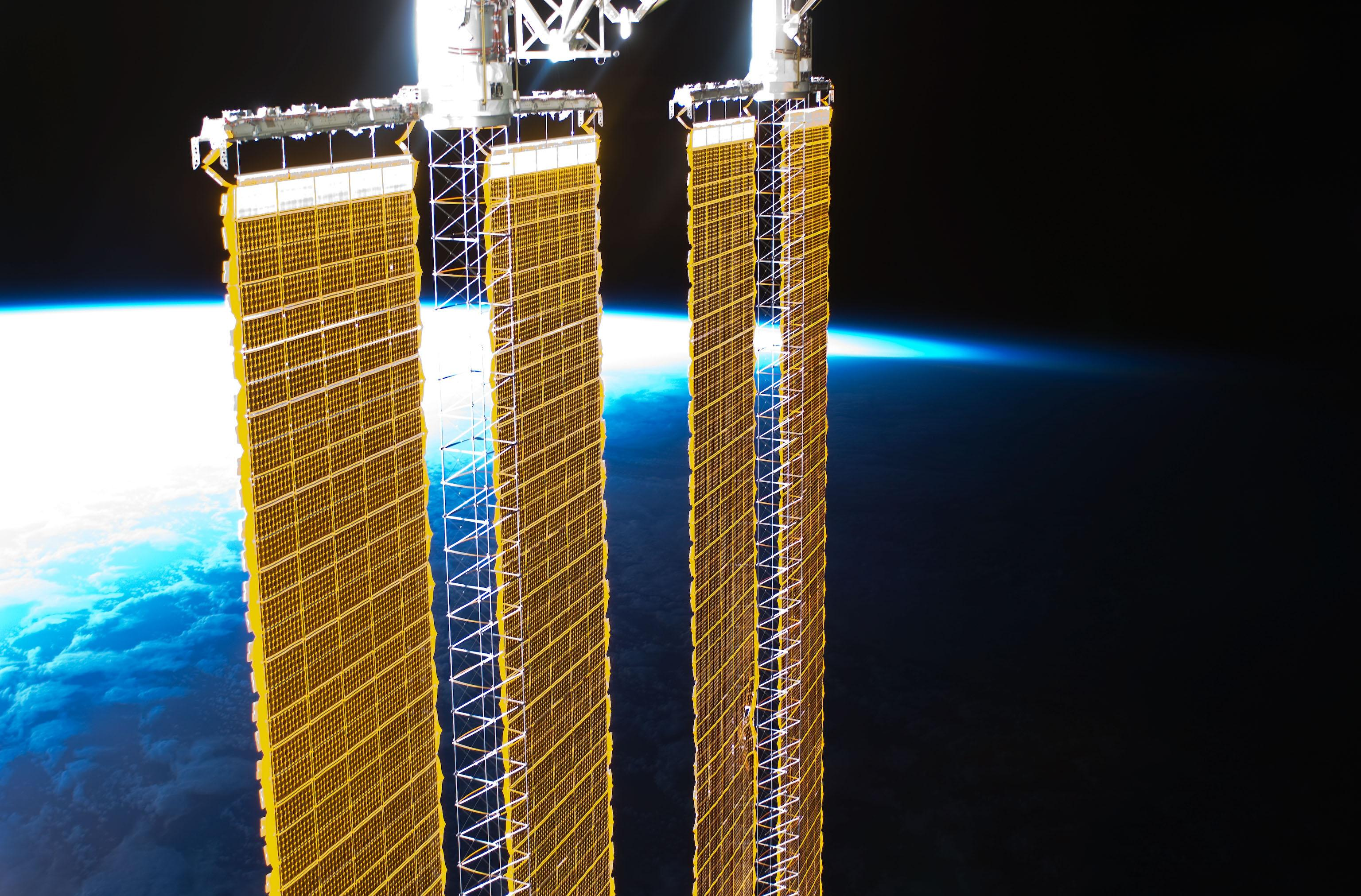 the solar space station facts information and pictures - HD3072×2023