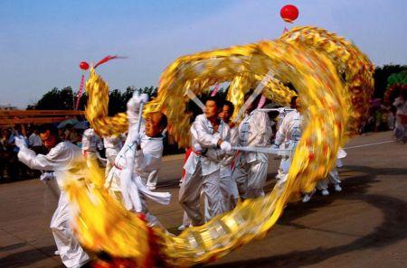 Китайский танец с драконом