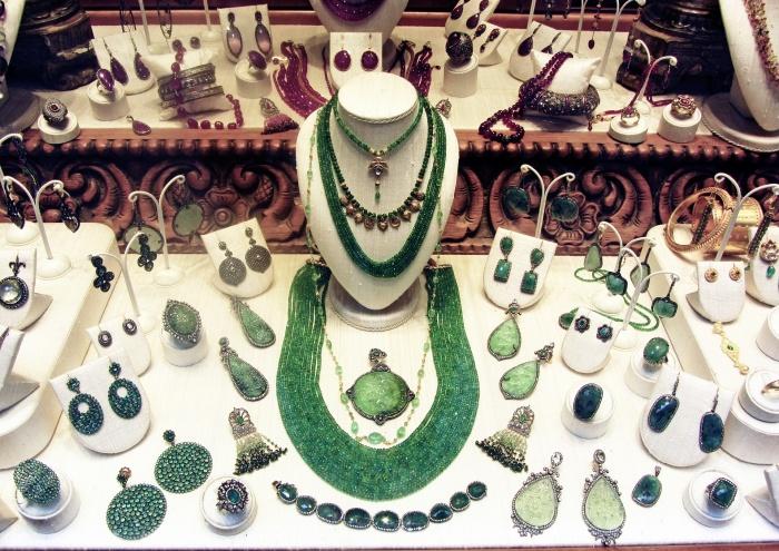 бижутерия, драгоценности, камни