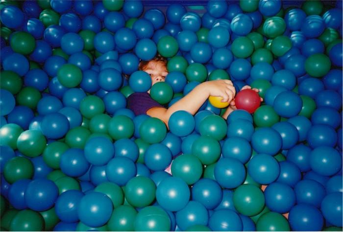 бассейн, шары, мальчик