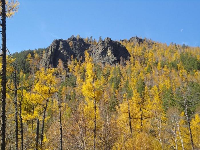 Осенний пейзаж в национальном парке Алханай