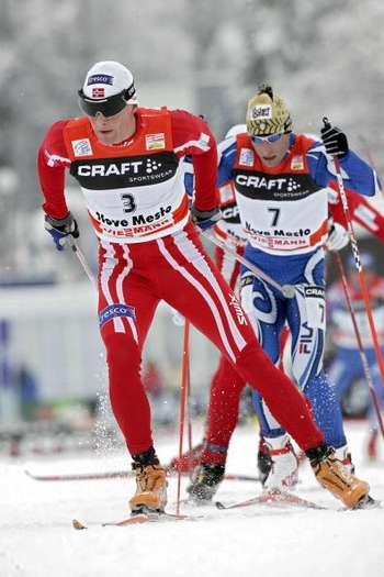 """126 vas snowmen 8010104 - Фотообзор: В лыжном соревновании """"Тур де ски"""" победу одержал Бауэр"""