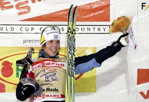 """126 vas snowwom 8010115 - Фотообзор:  Шарлотта Калла пришла первая в лыжном соревновании """"Тур де ски"""""""