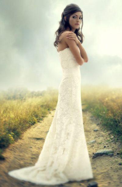 Фотообзор: Репортажная фотосъёмка модных свадебных платьев