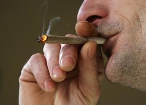 При курении марихуаны риск заболевания раком выше, чем при курении сигарет