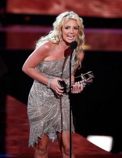 115 u94 1009 TIAN 013 - Триумфальное возвращение Бритни Спирс на церемонии MTV Video Music Awards 2008