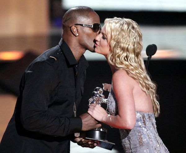 115 u94 1009 TIAN 018 - Триумфальное возвращение Бритни Спирс на церемонии MTV Video Music Awards 2008