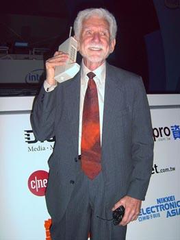 Первый звонок с мобильного телефона