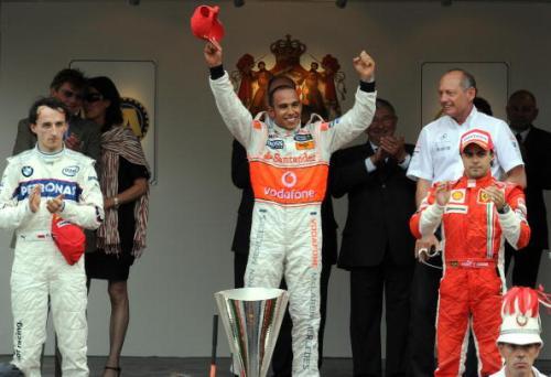 115 vrs200805268 - Фотообзор: Формула 1. Очередная победа Хэмилтона