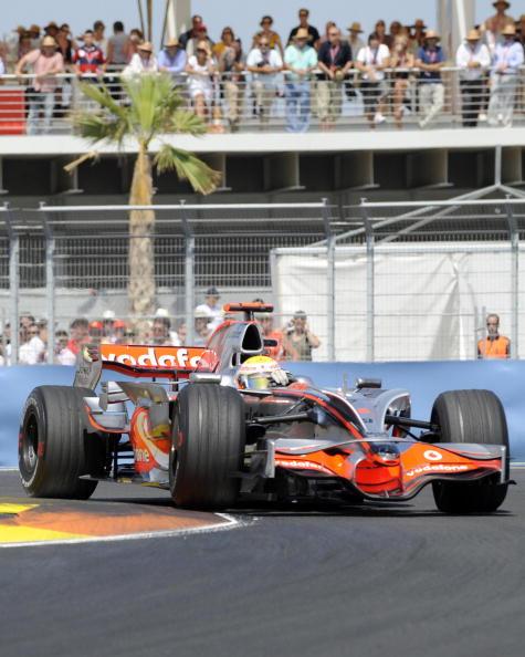 Фотообзор: Формула 1. Фелипе Масса победил в Валенсии
