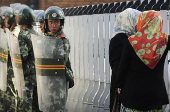 102 88961892 - Около 10 тысяч тибетцев протестуют против действий китайских властей