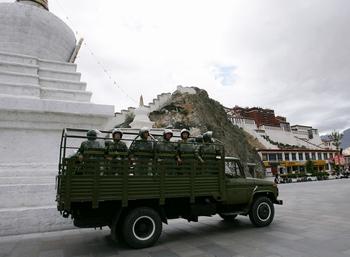 Два тибетца приговорены к смертной казни
