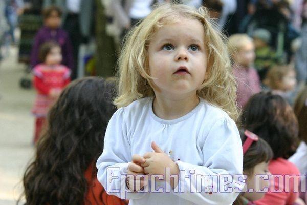 0210 E  0110 - Фотообзор: Музыка детей завораживает