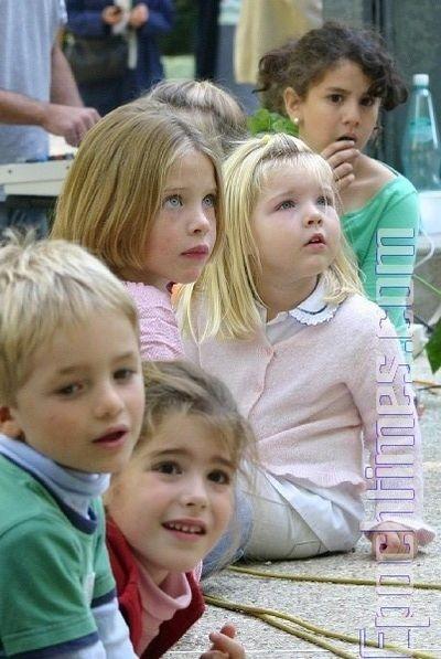 0210 E  016 - Фотообзор: Музыка детей завораживает