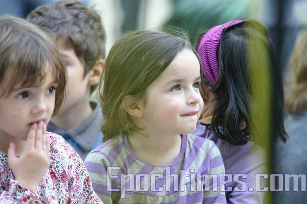 0210 E  019 - Фотообзор: Музыка детей завораживает