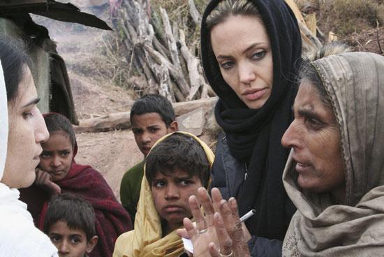 Анжелина Джоли - посол доброй воли, многодетная мама и просто красавица