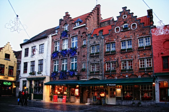 115 Btlgiy - Как жители европейских городов украшают здания к зимним праздникам