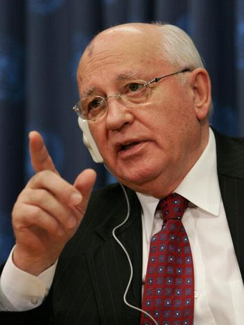 Экс-президент СССР усомнился в полезности комиссии по борьбе с фальсификацией истории