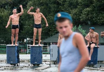 В России отмечают День Воздушно-десантных войск