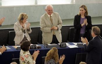 102 71371335 - Выборы Европарламента: миллионы жителей 27 стран ЕС изберут 736 депутатов
