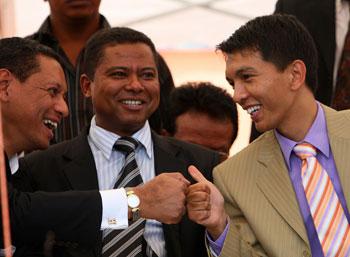 В Мадагаскаре власть перешла от военных к новому молодому президенту