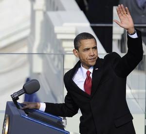 Барак Обама принял присягу и официально вступил в должность президента США