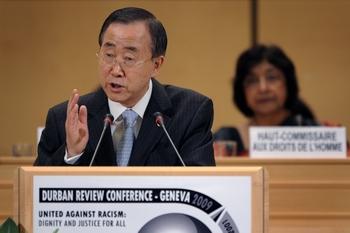 Пан Ги Мун осудил использование президентом Ирана трибуны Конференции по расизму для антиизраильских высказываний