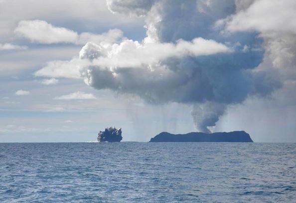 150 903190710181462 - Проснулся подводный вулкан в южной части Тихого океана острова Тонга