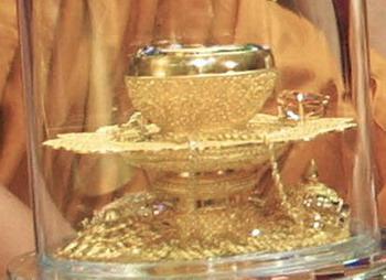 154 260609 moshi - Мощи Будды Шакьямуни выставлены из хранилища музея и будут демонстрироваться   в монастыре
