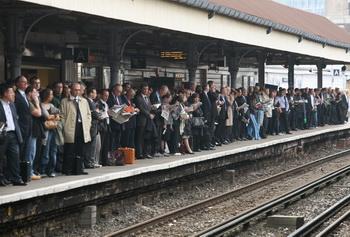 Забастовка работников лондонского метро вызвала транспортный хаос