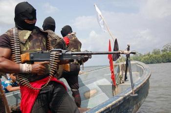 156 22 07 09 niger - Российские моряки, захваченные боевиками в Нигерии, освобождены
