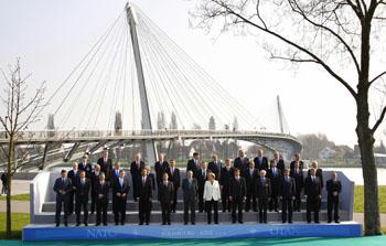 Второй день саммита НАТО: главный вопрос - стратегия в Афганистане