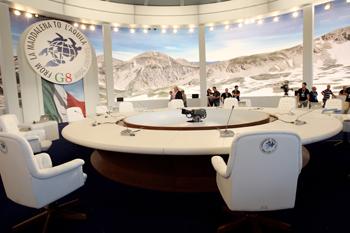 90 08 07 2009 496 - Италия: В Аквиле начал работу саммит большой восьмерки