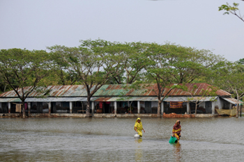 90 15 07 2009 5793 - В Индии наводнение: 7 человек погибли, 15 — пропали без вести