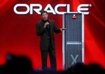 Директору Oracle урезали зарплату до одного доллара в год