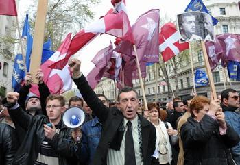 Президенту Грузии Саакашвили отпущено 24 часа на решение об отставке