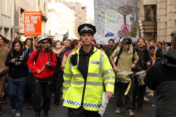 Фотообзор: Саммит G20 сопровождается массовыми протестами
