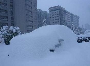 В Китае рекордные за всю историю наблюдения  снегопады, привели к гибели не менее 38 человек