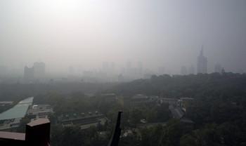 Густой туман распространяется по всему Китаю