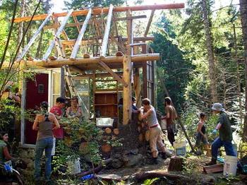 150 163 29 10 09 02 Home   Mudgirls cordwood 11 - «Глиняные девушки» — экстраординарные строители