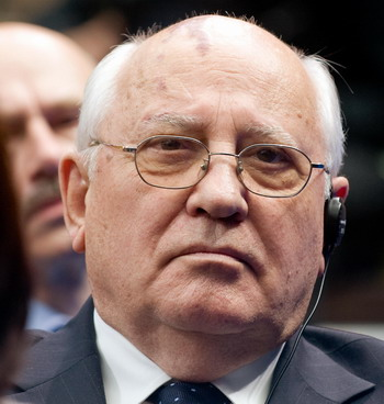 154 88875573 gorbachev - Горбачев: Стране надо идти по пути демократических перемен