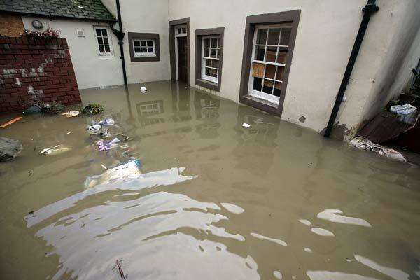 75 velvoda 4 - Великобритания: эвакуация из зон наводнения. Фоторепортаж