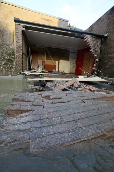 75 velvoda 7 - Великобритания: эвакуация из зон наводнения. Фоторепортаж