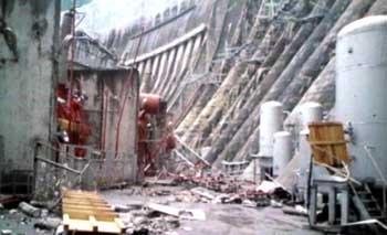 148 shuidianzhan2 - На Саяно-Шушенской ГЭС нашли тела еще двух погибших