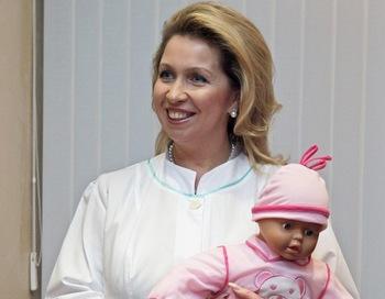 В Тюмени и Иркутске прошло награждение многодетных матерей