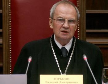 163 031209 zorcin - Судья КС Анатолий Кононов подал в отставку