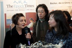 Лауреат Нобелевской премии Герта Мюллер на книжной ярмарке во Франкфурте-на-Майне