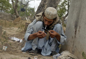 Производство опиума  в Афганистане сократились