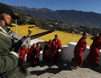 161 09 11 2009 TAVANG - Власти Китая обвиняют Далай-ламу в попытке испортить отношения между Китаем и Индией